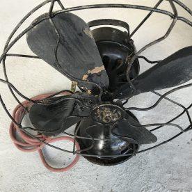 レトロ鉄製扇風機